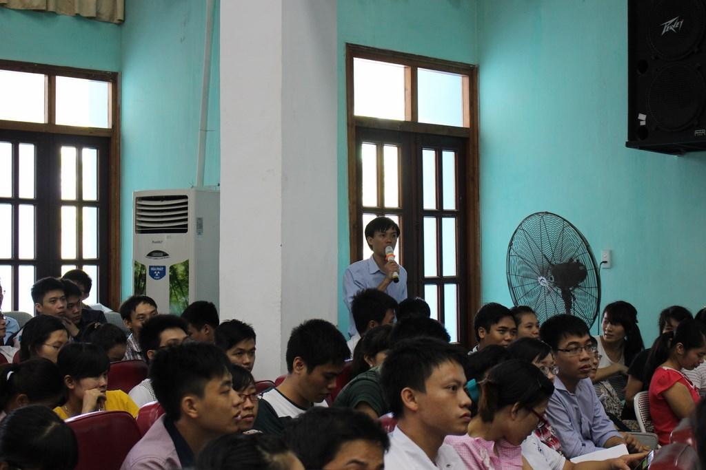 Tọa đàm với sinh viên trường Đại học Y – Dược Thái Bình về dự án bác sỹ trẻ tình nguyện