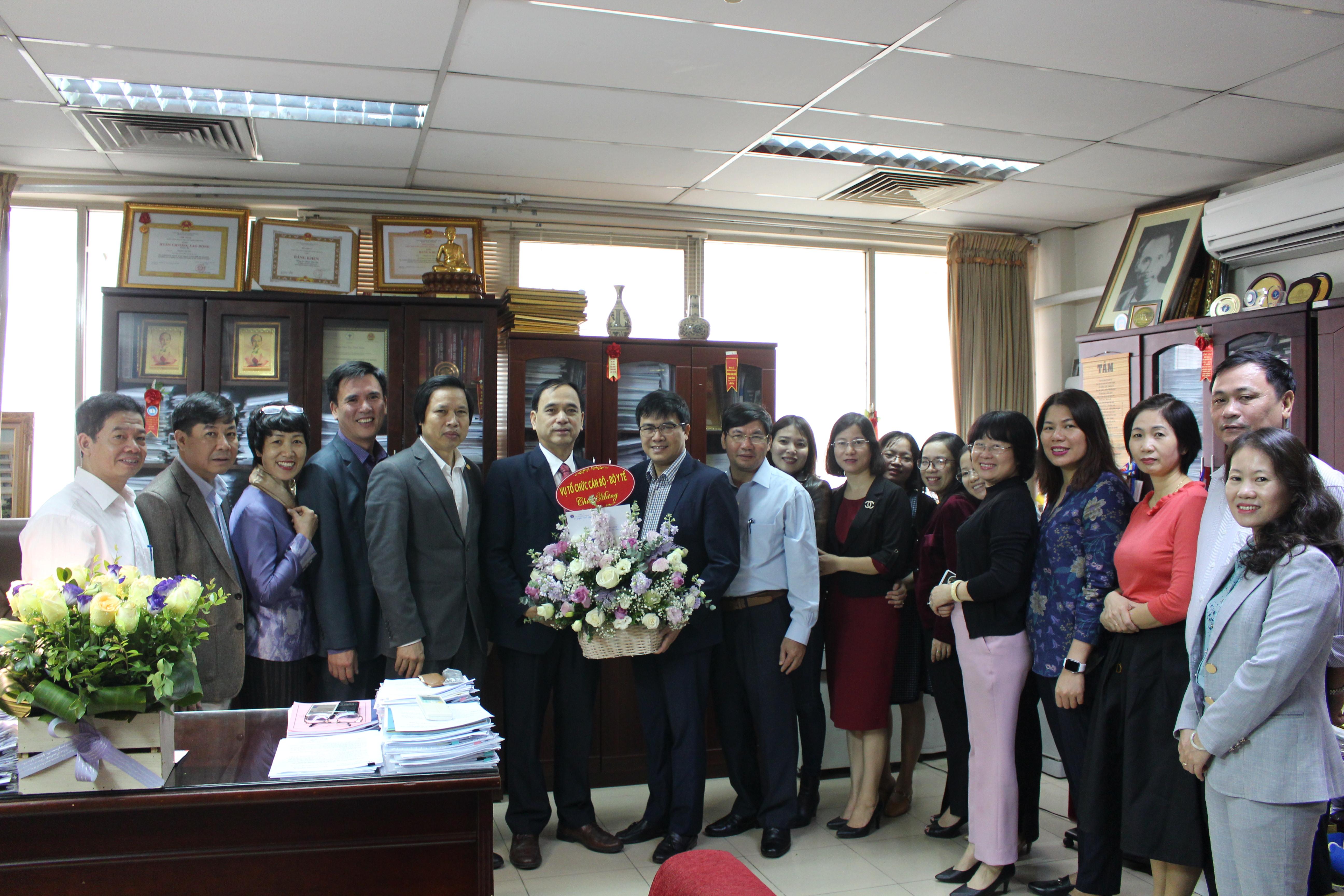 Vụ Tổ chức cán bộ chúc mừng ngày nhà giáo Việt Nam